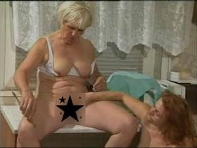 Gruppen Sex mit der geilen Oma Hanne